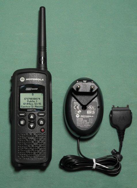 Цифровая портативная радиостанция Моторола ДТР-2430, фотография 1